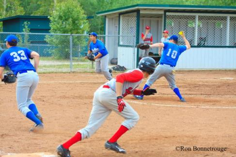0846_Hay River vs YK SubArctic 2013 (1 of 1)